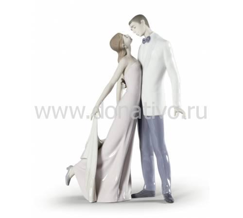 """Статуэтка """"Счастливая годовщина"""" Lladro 01006475"""