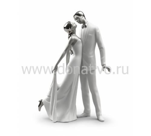 """Статуэтка """"Счастливая годовщина"""" Lladro 01007045"""